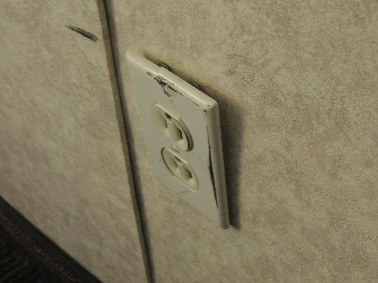 Camelot Inn: messed up wall plug