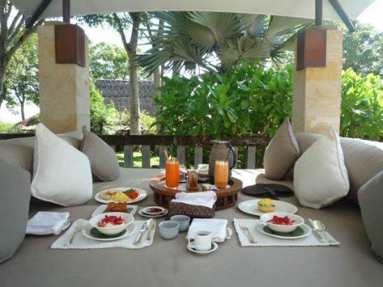 Aman Villas at Nusa Dua: In-room breakfast