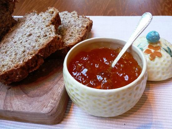 Coolabawn House: Homemade brown bread & marmalade