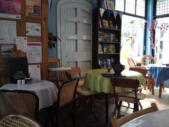 Interior of Earthlights cafe