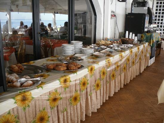 Marotta Italy  city images : Marotta, Italy: buffet colazione