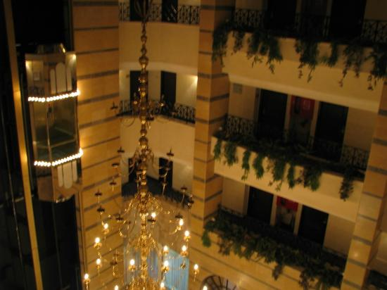 Imperial Palace Hotel: Lobby
