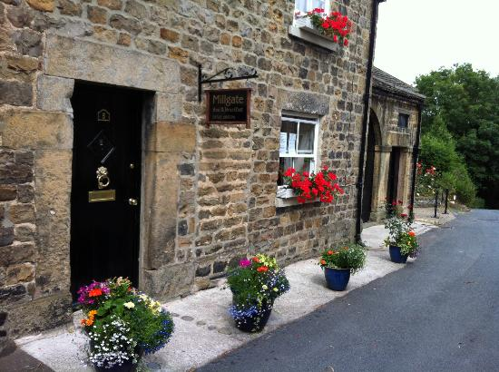 Masham, UK: Hotel entrance