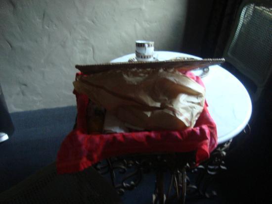 De Laurier : breakfast basket