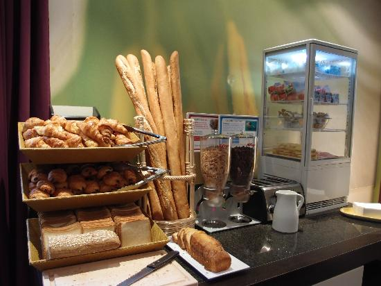 Ibis Styles Fontenay : morning breakfast~