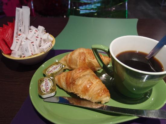 Ibis Styles Fontenay : my 1st day breakfast in this hotel~