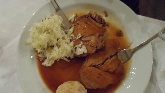 Gasthaus Rebhuhn: Beef in Gravy with Kraut Salad