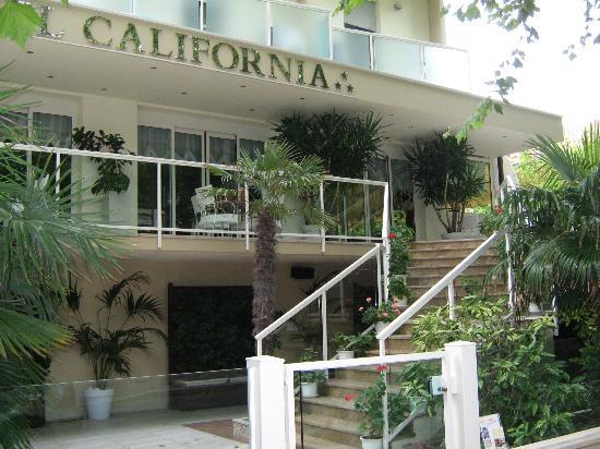 Hotel California : Scalinata per accedere all'hotel