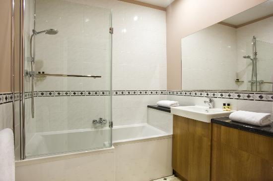 New Wilmington Hotel: Bathroom