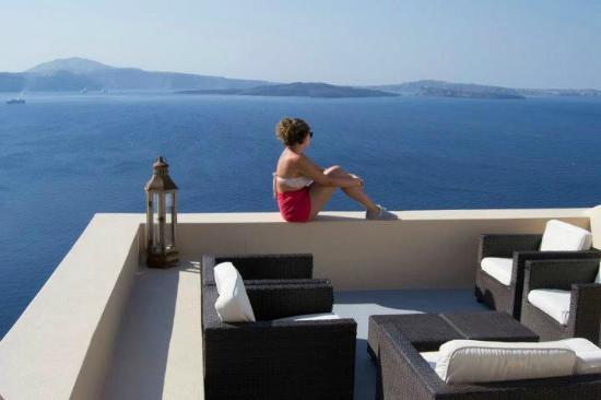 Lucky Homes - Oia: Panorama frontale Perfect Hideaway Studio