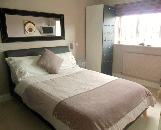 Pearfield Bed and Breakfast : Double bedroom