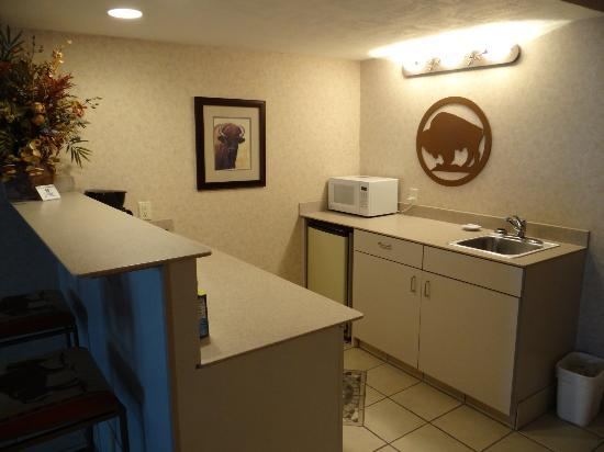 Best Western Ramkota Hotel: Room 1114 - Kitchenette