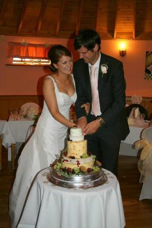 ذا ميل فورج: Cake of cheese in the roundhouse!! 