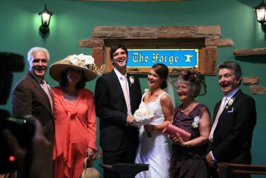 ذا ميل فورج: The wedding ceremony 