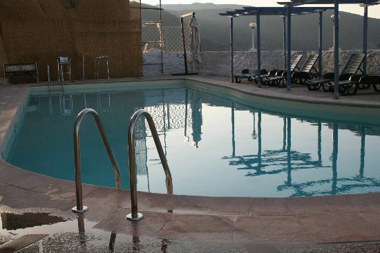 Hotel il Saracino: La piscine le soir