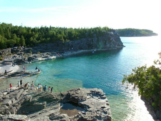 Tobermory, Canada: On the way to the Grotto