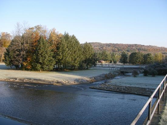 Chapman State Park: A cool crisp fall morning at the spillway