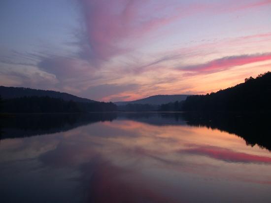 Chapman State Park: Incredible sunset colors over Chapman Lake