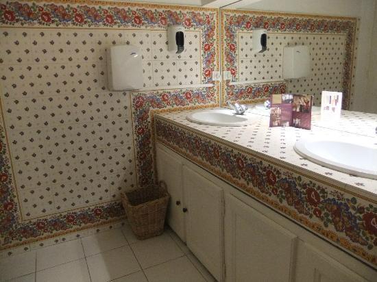 Musee Souleiado: Même la salle de bain est magnifique
