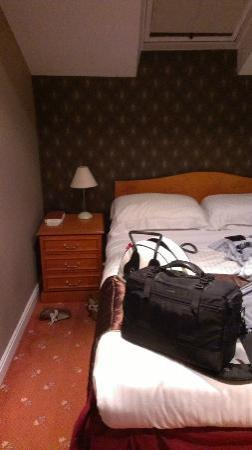 Sparth House Hotel: The bedroom