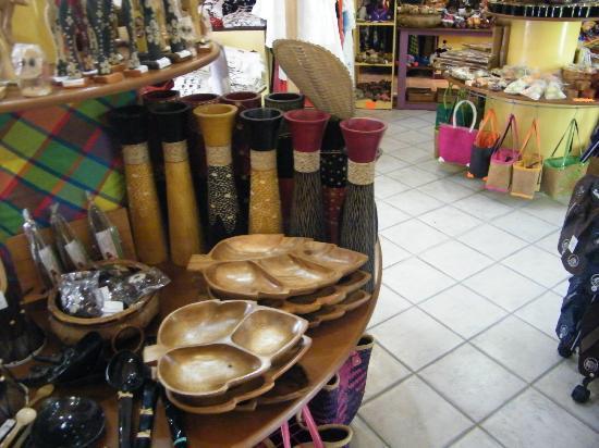 Jardin Botanique de Deshaies: souvenirs shop