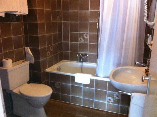 Hotel Beau-Rivage: La salle de bain d'époque