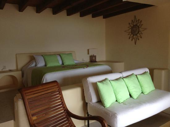Hotel Cinco Sentidos: Our beautiful room