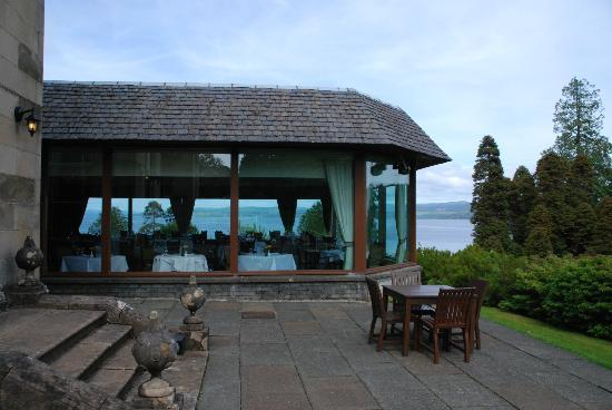 Stonefield Castle Hotel: view through the dining room from the patio