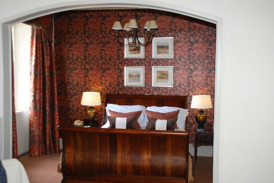 Stonefield Castle Hotel: Lovely large bed
