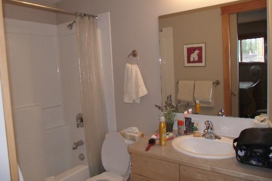 Canmore Crossing: Ensuite