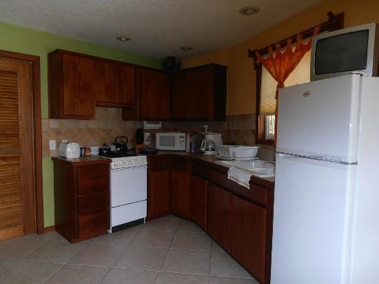 White Sands Cove Resort: Kitchen