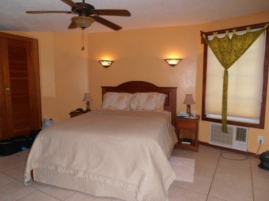 White Sands Cove Resort: Bedroom