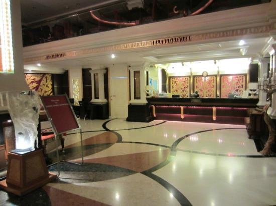 Fairtex Sports Club Hotel: Lobby