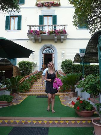 Hotel Leopoldo : entry