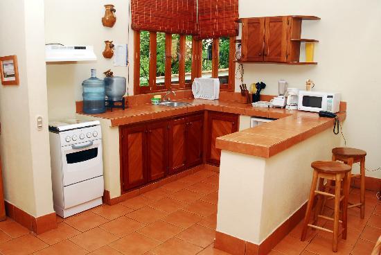 Parque Maritimo el Coco: Apartamentos los Volcanes - Kitchen