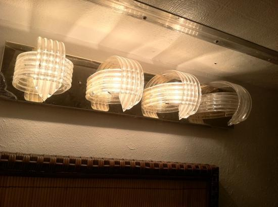 Casa Del Mar Beachfront Suites: the 1980s called and want their bathroom lighting fixture back...