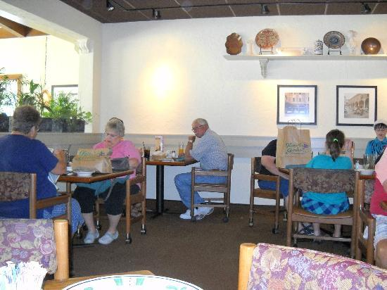 The Olive Garden: Inside.. Super Cozy As You Relax With Your Meal