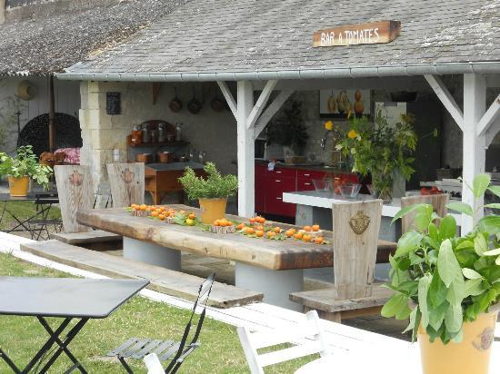 "Gardens of the Chateau de la Bourdaisiere: The ""Tomato Bar"""