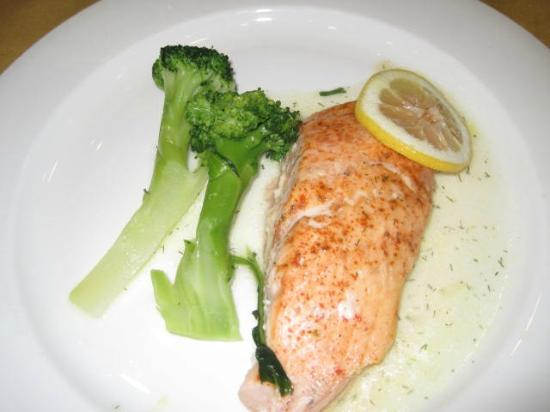 Villa Roma Resort and Conference Center: Salmon