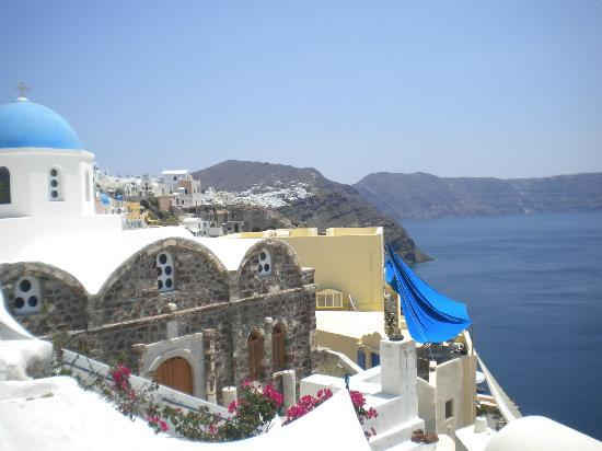 Old Oia Houses: Only a small part of the view from my veranda