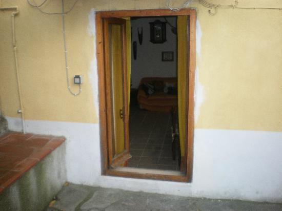B&B Carugio del Fezzano: Ingresso Appartamento dal Giardino