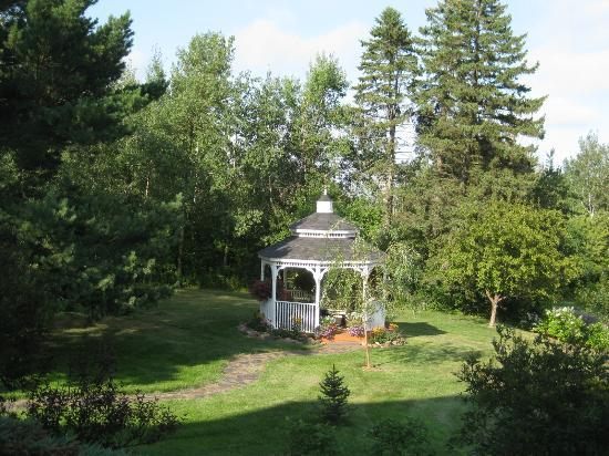 A G Thomson House Bed and Breakfast: Beautiful gazebo