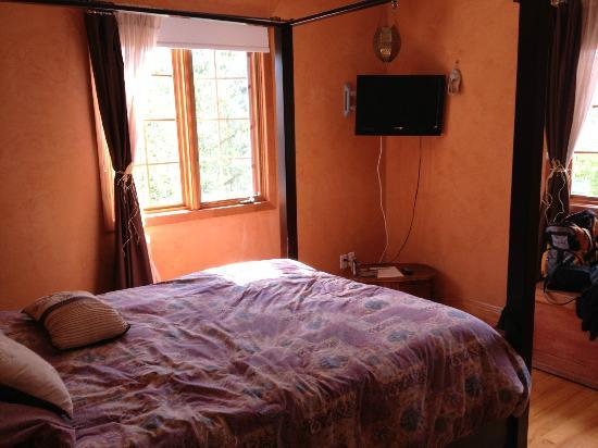 Le Grenier des Cousins : The Oriental room with private bathroom