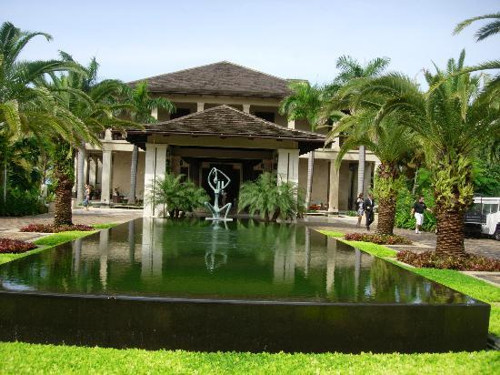 The St. Regis Bahia Beach Resort, Puerto Rico: Resort entrance