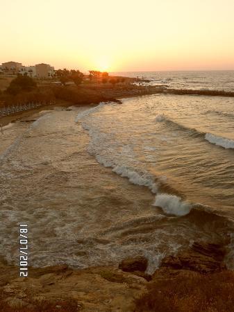 Christina: Le soleil couchant sur la mer