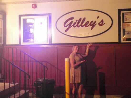 Gilley's : Feeling the Gilley's love with a full belly!