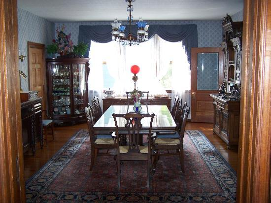 Humphrey Hughes House: Formal dining room