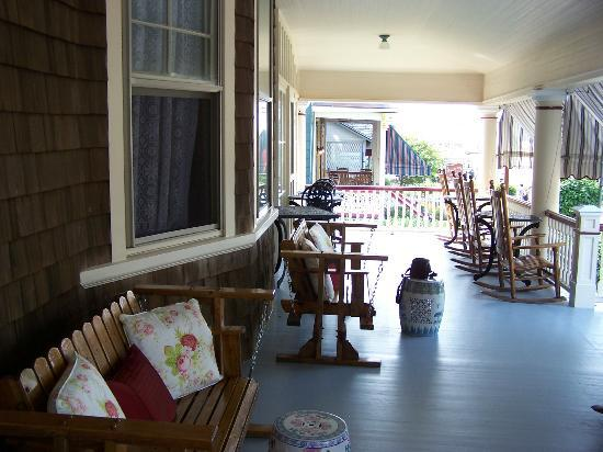 Humphrey Hughes House: Front Porch - where breakfast is served