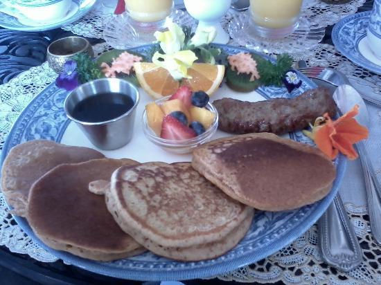 Humphrey Hughes House: Breakfast - sweet potato pancakes