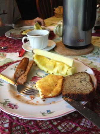 Fairview Manor Bed and Breakfast Inn: breakfast